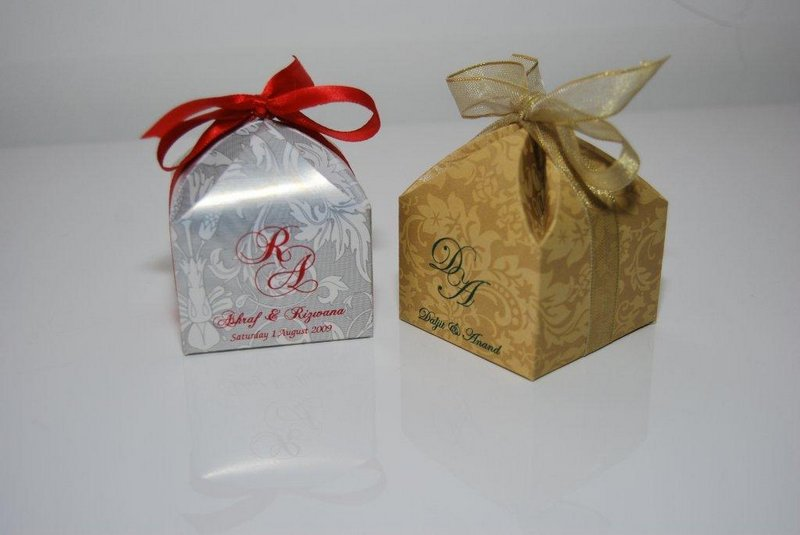 Favour box designs with matching ribbons